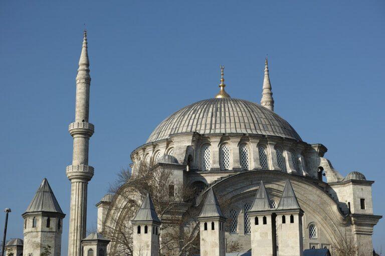 Kościół rzymskokatolicki promuje i akceptuje islam
